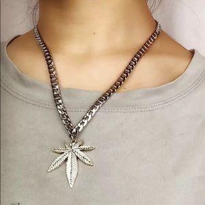 Other - Unisex Marijuana Leaf Necklace